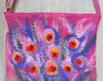 Felted bag pink color with a long strap. Bright, light comfortable. Size 30 x 30 cm.