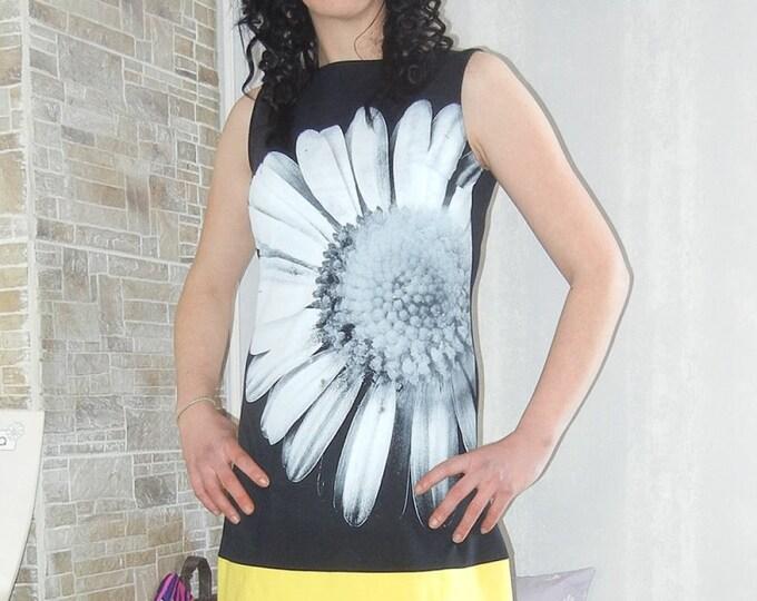 Daisy Floral dress Elegant Short dress / Designer Party Small black dress