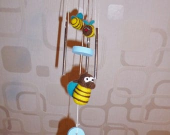 Wind chime bee