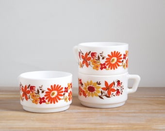 ARCOPAL mug - Vintage Arcopal coffee cups with red, orange, yellow flowers - French vintage Arcopal coffee expresso cup FLORE design 70s
