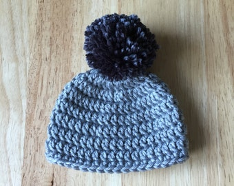 Pom Pom baby hat, 0-3 months  Crochet baby beanie,  Grey baby beanie with Pom Pom, coming home infant hat, Photo Prop,