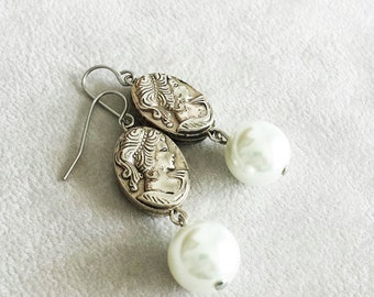 Mothers Day gift, Pearl Earrings, Rare Vintage Cameo Earrings, Unique Bridal Earrings, Anniversary gift for her, Gift For wife, Gift for Mom