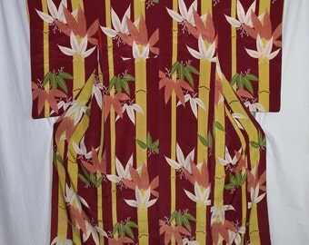 Vintage Japanese Kimono Woman's Robe Collectible Display - Bamboo Forest