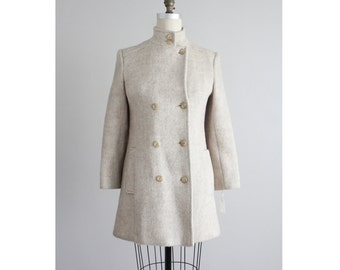 structured wool coat / wool jacket / beige wool coat
