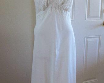 50s White Lace Vintage Slip white ribbon trim nylon slip 50s Seamprufe vintage wedding white lace lingerie size 36 M