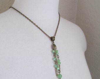 Bead & Chain Leaf Pendant - Green Frost