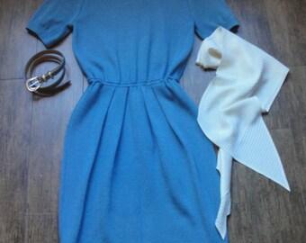 Vintage St John Marie Gray short sleeve Sz Small Dress, Pastel blue Santana Knit Elastic waist Rounded neck, Back zipper, Bonus scarf + belt
