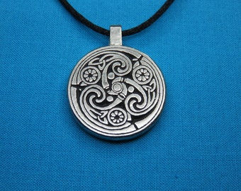 Small Celtic Spirals Silver Pewter Pendant, Handcast, Handmade STK013