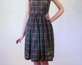 Coffee at Tilda's, 50s Dress XS, Brown Sleeveless Cotton Dress With Blue Windowpane Plaid, Girly 1950s Dress, Size Extra Small