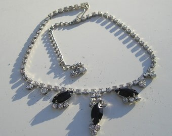 Lovely Vintage Black Glass & Rhinestone Necklace