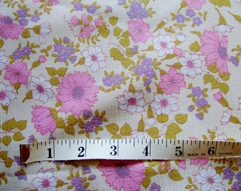 "1970s Vintage Floral Dress Fabric Piece - Pink Flowers on Cream Background 49"" x 24"""