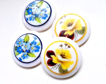 22mm Flower Focals, Four Flower Resin Focals, 4 22mm Rose and Forget-Me-Not Cobochons, Blue Yellow Flower Focals, Floral Embellishments