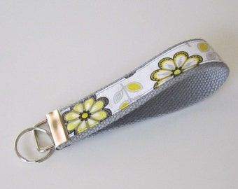 Wristlet Key Fob - Gray/Black/Yellow Floral