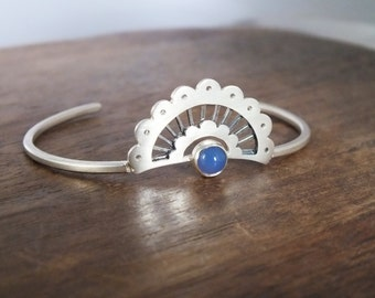 Scalloped lace stone cuff bracelet - scalloped boho cuff with cabochon gemstone - gemstone bracelet - boho cuff bracelet