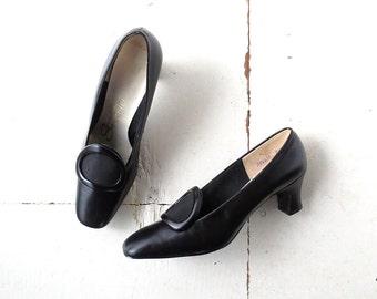Vintage 1960s Pumps / Pilgrim Shoes / Mod Shoes / Size 7 1/2