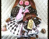 """Primitive PATTERN #253~""""HoPPiN HAiLeY""""~Chocolate Bunny with Baby"""