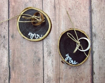 Wood Wedding Ring Holder - Ring Bearer Pillow Alternative - Rustic Ring Holders - Wood Slice - Country Wedding Accessories - Mr & Mrs Set 2