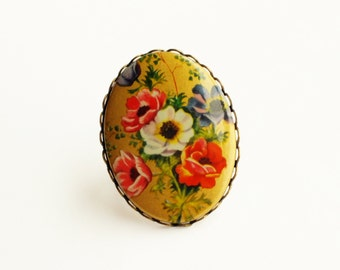 Victoria Floral Cameo Ring Large Chunky Ring Vintage Victorian Poppy Ring Fall Autumn Statement Floral Statement Ring