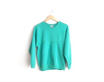 SALE // Size Women's M or Men's XS // GREEN Sweatshirt // Shamrock Green - Unisex Raglan Pullover - Vintage '80s.