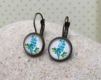 Blue Hyacinth Vintage Style Leverback Earrings, Cute Blue Flower Set in Antique Bronze, Teacher Gift, Flower Lover, Floral Wedding, Elegant
