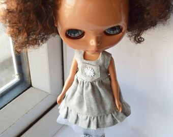Beautiful light grey linen dress with ruffle hem for Blythe doll