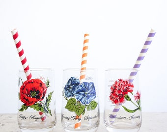 12 Vintage Drinking Glasses / Flower of the Month Set / 1970's NOS / Stemless Wine Glasses