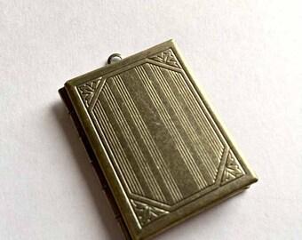 Antique Light Gold BOOK PHOTO LOCKET Pendant-Photo Pendant-Metal Locket-Keepsake-Personal Locket-Memory Locket-Rectangle Locket