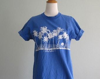 Vintage Blue Hawaii T-Shirt - Cute 80s Hawaiian Tourist Tee - Vintage 1980s T-Shirt M L