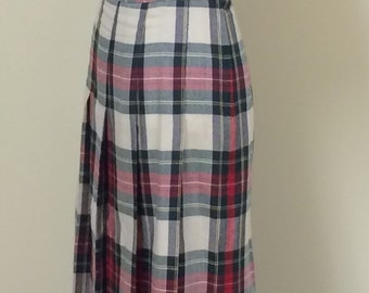 Vintage Plaid Skirt - 1970s 1980s Classic Plaid Wool Blend Skirt by Lord & Taylor - Collegiate - School Girl - Fall Winter Style - 26 Waist