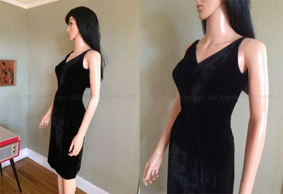 1950s Stunning LILLIE RUBIN Soft Black Velvet Deep V Neck Line Sleeveless Fitted Cocktail Dress-XS