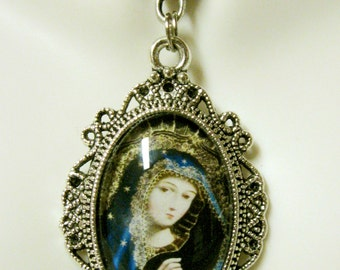 Virgin Mary pendant with chain - AP04-155 - Cusco art