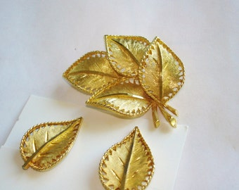 Vintage Jewelry Signed BSK Leaf  Brooch Clip Earrings