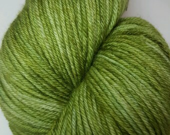 Peridot colorway! Razzmatazz Superwash Merino/Cashmere/Nylon--- 80/10/10%, luxury sock yarn, 100 grams, 435 yards