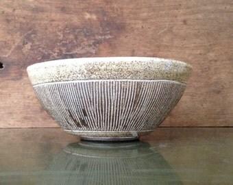 Serving bowl. Pottery. Wheel thrown. Handmade.