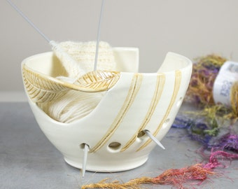 White Ceramic Yarn Bowl Knitting bowl, off-white, Crochet Bowl Modern home and living honey yellow twisted leaf, knitter gift Yarn supplies