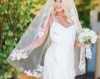 Lace Applique Veil, Lace Veil, Chapel Veil, Bridal Veil, Cathedral Veil, Bridal Wedding Veil, Lace Appliques Veil, Ivory Veil, Samantha