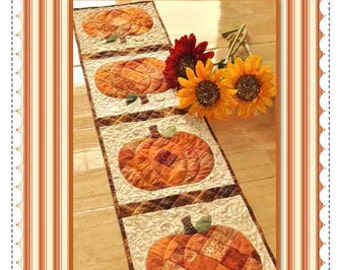 Patchwork Pumpkin Quilted Table Runner Pattern - Autumn Fall Table Runner Pattern - Shabby Fabrics Quilt Pattern - Scrappy Pumpkin Runner