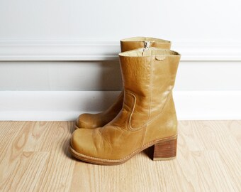 SALE Shoes Boots Chunky Heeled / Leather Camel Tan / Ankle Boot / Mod Boho / 90s Vintage / Size 9 / Euro 39.5
