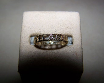 10K Yellow Gold Band Ring Forever in Open Work