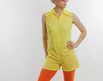 Vintage 60's lightweight romper, sleeveless, textured stripes, yellow, pointy collar, white square toggle zipper in front - Medium