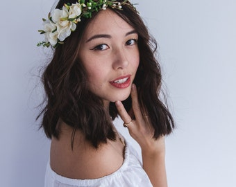 blossom and forest asymmetrical bridal wedding flower crown // Florette - cream / bohemian floral headpiece flower crown