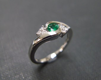 Diamond Wedding Ring with Emerald in 14K White Gold