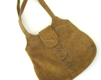 Vintage 1970s Tan Suede Purse // Lacing Detail // Snap Closure // Boho // Fashion // Handbag // Outlaw // Hippie