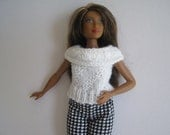 CURVY BARBIE White Rolled Collar Top