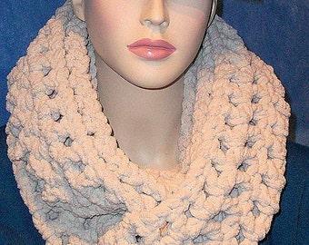 Crochet Infinity Scarf, Oatmeal Chunky Infinity Scarf, Chunky Crochet Infinity Scarf, Chunky Scarf, Winter Scarf, Infinity Scarf