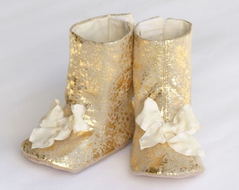 Gold Boot, Baby & Toddler, Metallic Baby shoe, Gold Toddler Boot, Baby Christmas Gift, Booties, Crib Shoe, Little Girl, Baby Souls Shoes
