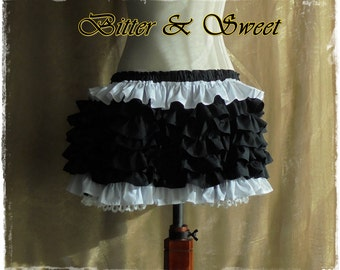 Cosplay Harley Quinn Bloomers with frills all around in Black & White-Lolita-Steampunk-Burlesque-CanCan-Circo-CowGirl-Pirate-Gothic-Cabaret
