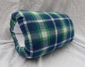 Woman's plaid wool muff