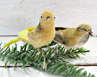 Vintage Gold Felt Bird Ornaments, Real Feather Ornaments, Vintage Christmas Tree Ornaments Decorations, 1950s French County Farmhouse Decor