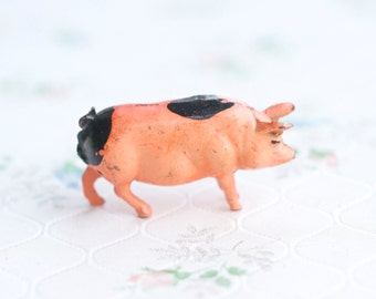Lead Pig - Salmon Pink - Antique Farm Iron Cast Toy - Made in England